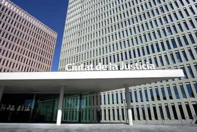 B - digital - Barcelona - (02.05.09).- Vista de los edificios donde el presidente de la Generalitat, José Montilla, ha inaugurado hoy la Ciudad de la Justicia, que entrarán en funcionamiento el proximo lunes en L´Hospitalet de Llobregat (Barcelona). © Tejederas